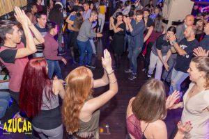 Dame2Salsa - Rueda cubana en Madrid - Bailando con nuestros alumnos en Azúcar